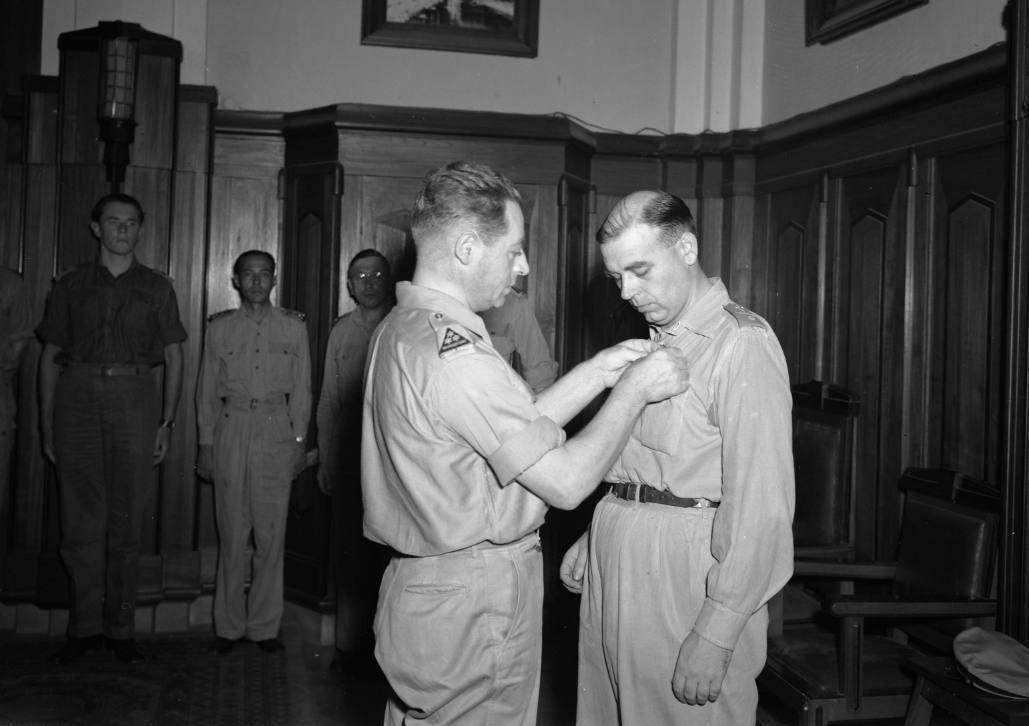 In de strijd nabij – Aalmoezeniers in militaire missies