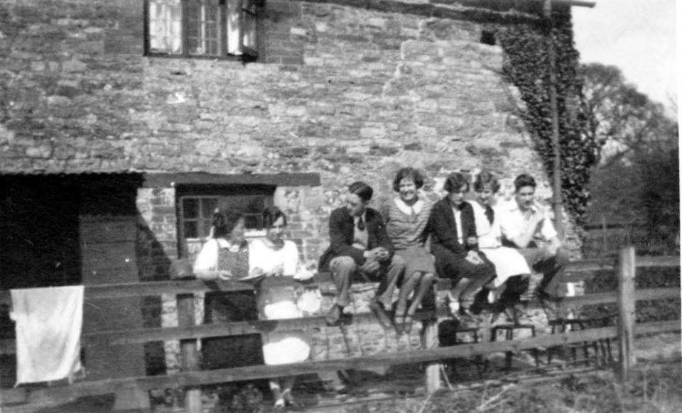Easter 1926 outside 14 Charney (Brook Cottage)