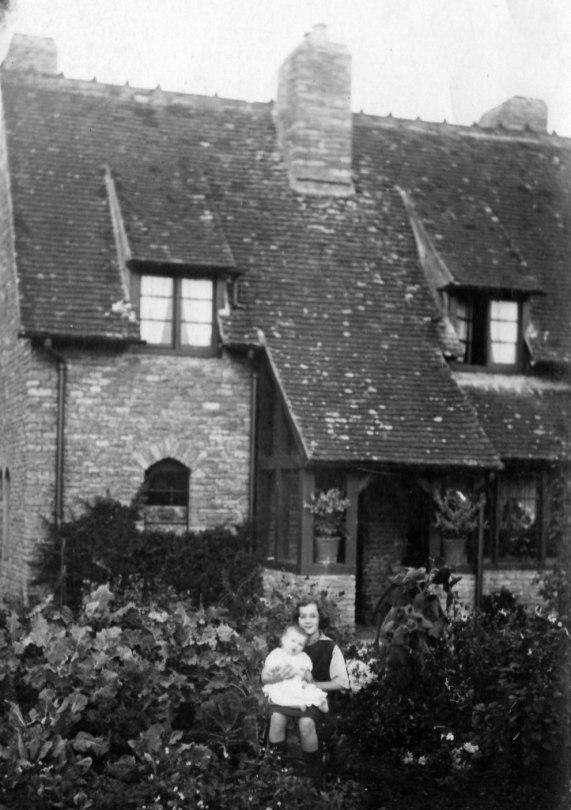 Auntie Emmie & Bill Clarke 1921 at 25 New Road