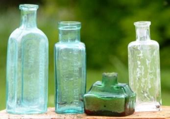 4 Small Bottles(3)