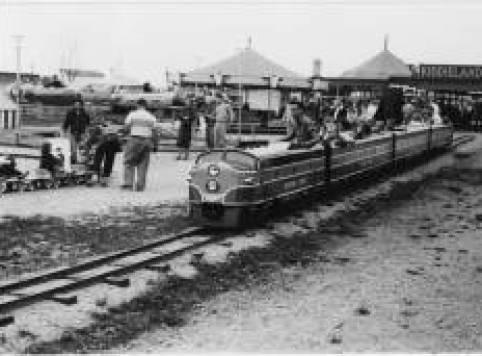 Kiddieland_train_ride2