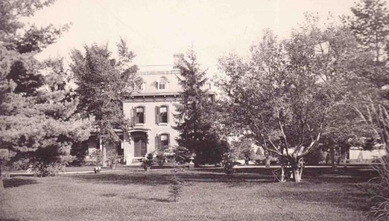 Robertson, T D house