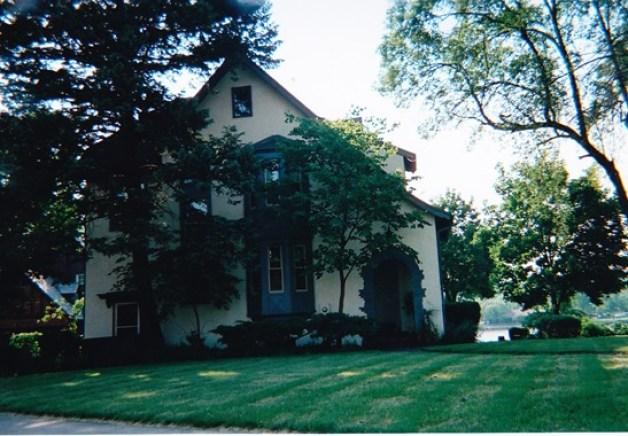 Franklin Place, 1011 - 2