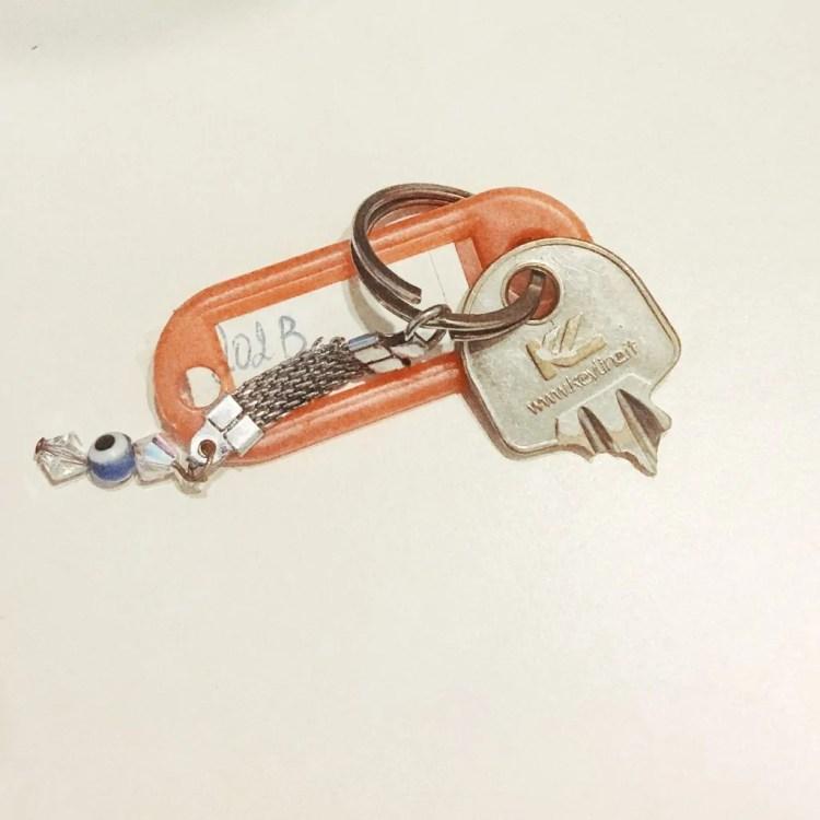 broken key airbnb