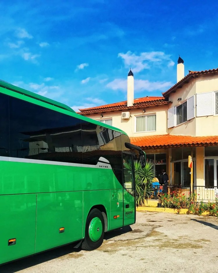 The bus to Delphi