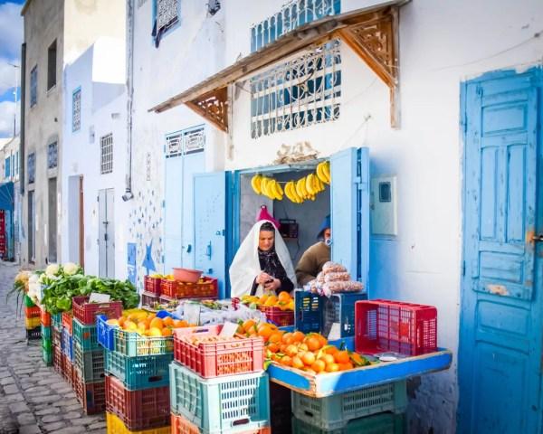 Doing the shopping in the Medina Kairouan