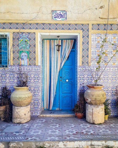 Of all the beautiful doors I saw in Tunisia, this one might be near the very top of my list!