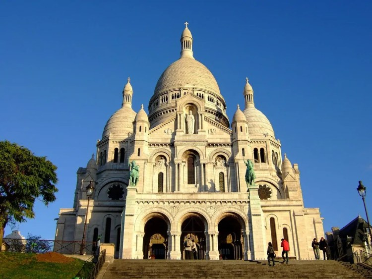 Sacre Coeur Basilica at the top of butte Montmartre