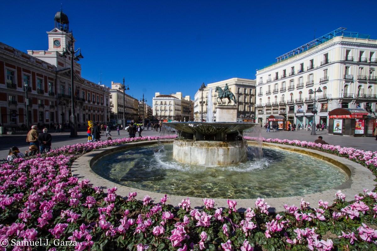 La Puerta Del Sol In Madrid History Hiker