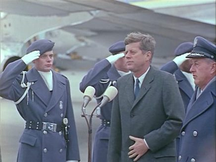342-USAF-34662 - PRESIDENT KENNEDY VISITS SAC HEADQUARTERS, 12-07-1962-315.000