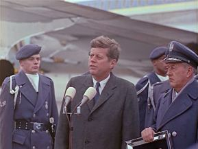 342-USAF-34662 - PRESIDENT KENNEDY VISITS SAC HEADQUARTERS, 12-07-1962-420.000