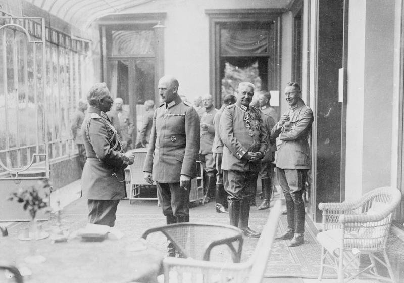 Fascinating Historical Picture of Kaiser Wilhelm IIs on 30/1918