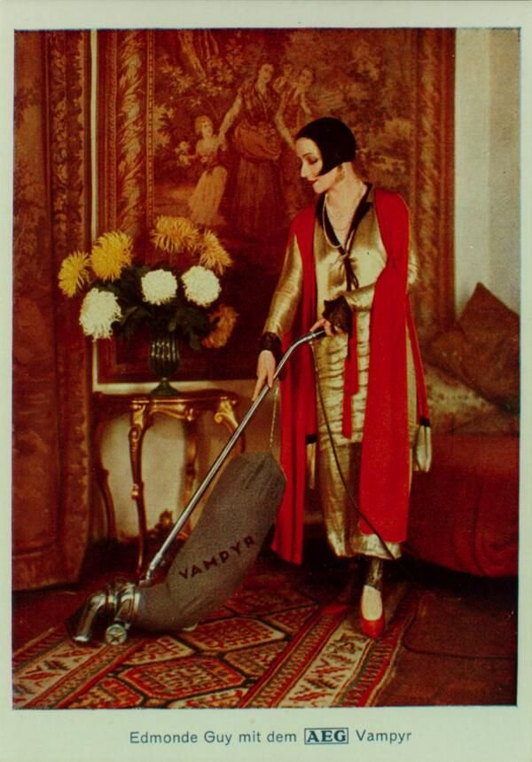 Stunning Image of Vacuum Cleaner and Photo in 1924