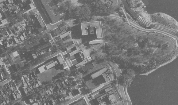 Laurentian Terrace as seen from above in 1944. Source: NAPL Flight A7193, Photo 33, September 16, 1944.
