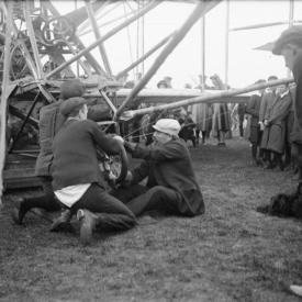 Constructing Authority in Early British Aviation