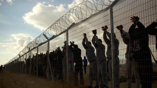 Hypocritical Israel to Deport 40,000 Black Refugees to an African Country