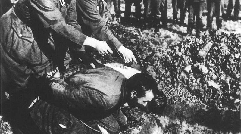 19 Pics: WW2: Soviets dressed as Germans killing people & Faked