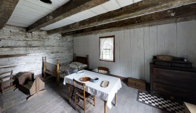 Buffalo Niagara Heritage Village: Schmitt Log House