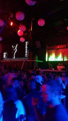 Párty v klubu