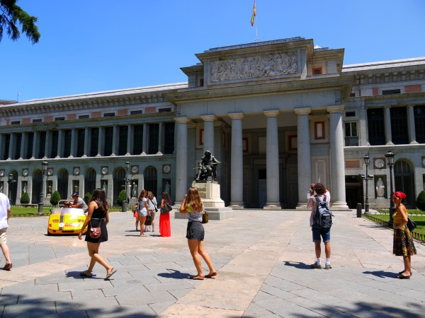 Infocus Museo Nacional Del Prado Madrid Spain Hitch