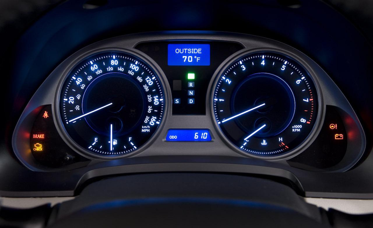 hight resolution of lexus is250 cluster