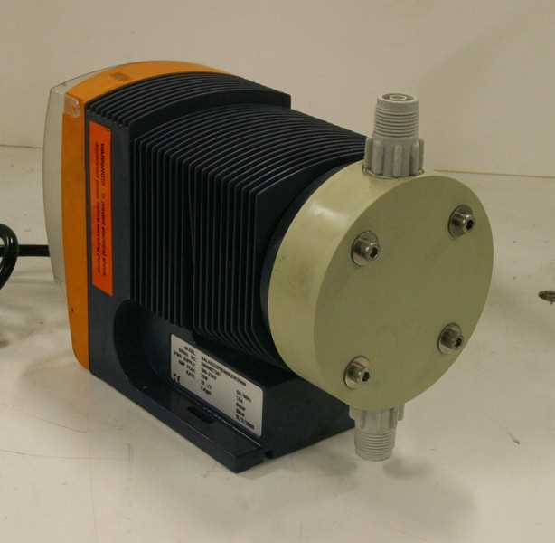 Flow Controls ProMinent Diaphragm metering Pump - 1