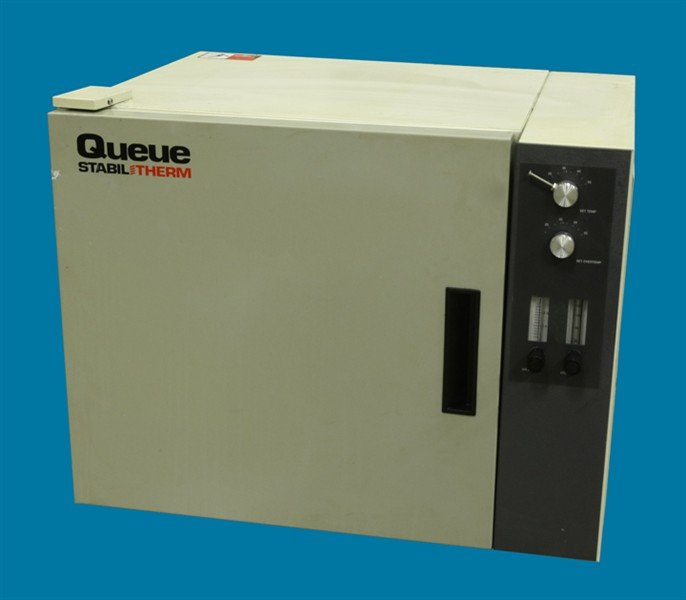 Queue  Stabil Therm CO2 Incubator QMI 100 SABA