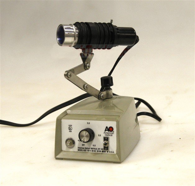 American Optical Light Source Model 655 Illuminator