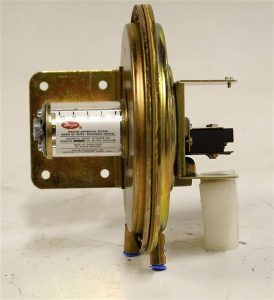 Dwyer Differential Pressure Switch 1638