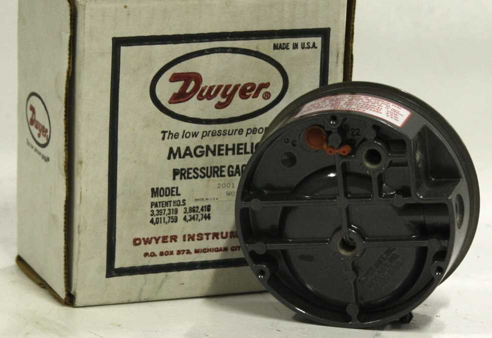 Dwyer Magnehelic Differential Pressure Gauage 2000 - 2