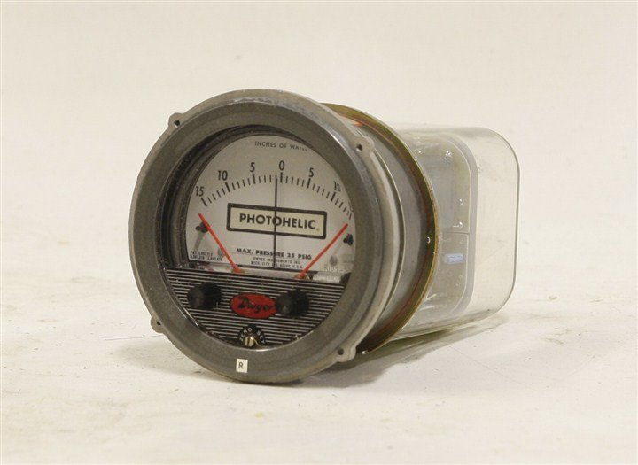 Dwyer 3300 HP HH Photohelic Pressure Switch Gauge