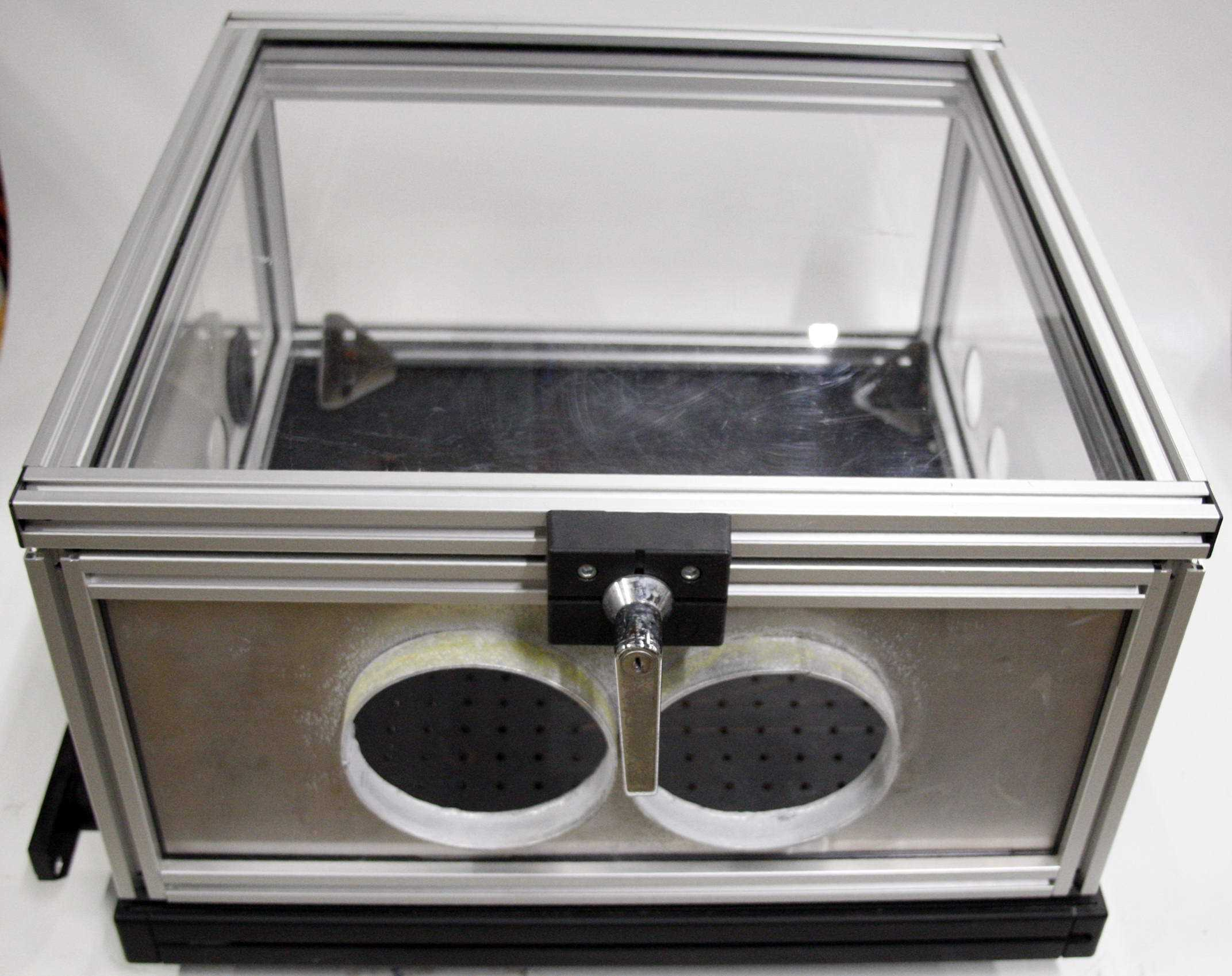 Isolation Table Glove Box