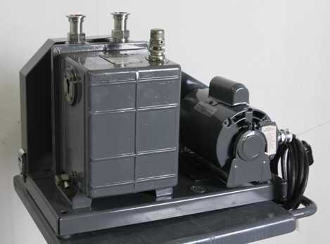 photo of one of the rebuilt vacuum pumps available from Hitechtrader.com