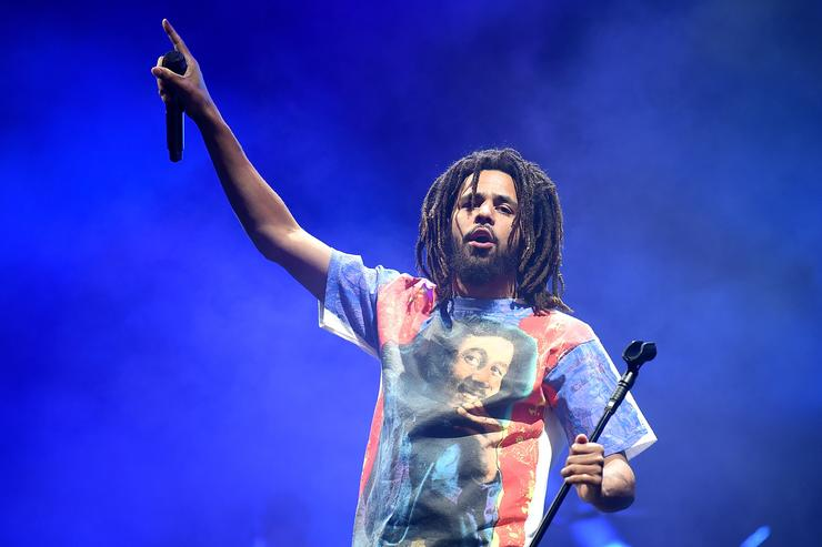 """J. Cole's """"Middle Child"""" Marks His Highest Charting Single On Billboard Hot 100 Music"""