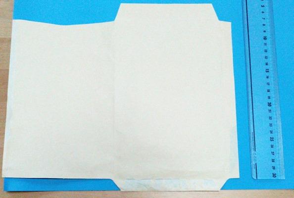 古封筒で型をとります