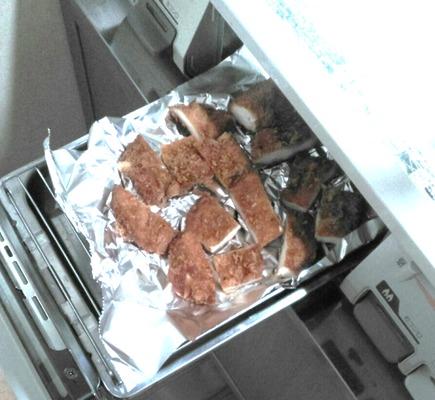チキンタレカツ丼の作り方③カツを温める