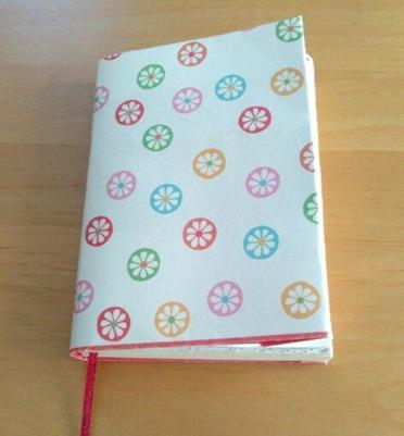ご祝儀袋で作るブックカバーを取りつけてみました