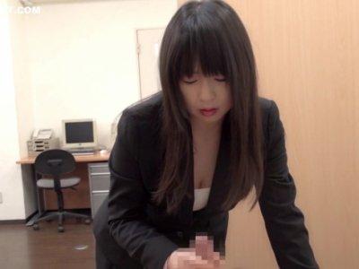 美巨乳美人妻が会社で同僚と不倫セックスをしてるひとずま動画