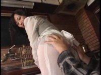 北原夏美のお尻をじっくりたっぷりと堪能してるおばさんの動画