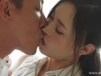 清楚系な美人妻が夫以外とのセックスを楽しみにAV撮影で感じまくる高画質な長編の美人妻動画