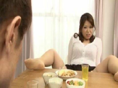豊満完熟な田舎の叔母さんが朝から甥を誘惑して濃厚セックスしてる日活 無料yu-tyubu