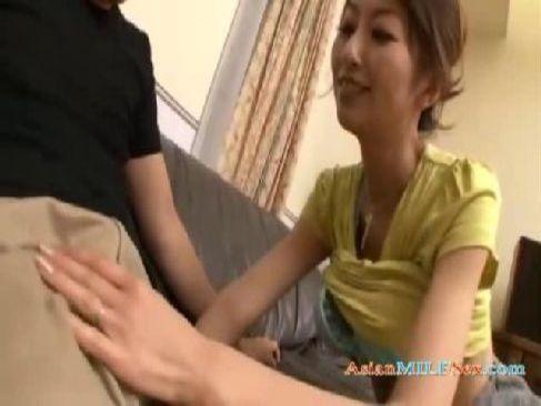男根が大好きな30歳の美乳美人奥様が隣人を押し倒し肉体関係を結んでるひとずま動画無料あげ