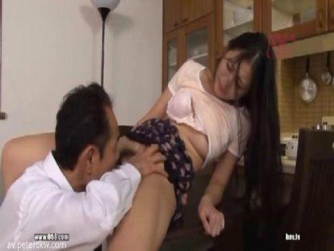 三十路美熟女妻のhな秘密は旦那の上司に無理矢理犯され続けて快感に嵌っている人つま 動画 Tokyo