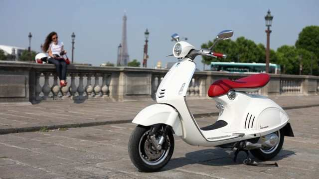 (Girls with White Vespa - youtube.com)
