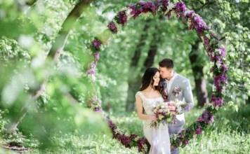 Ilustrasi Gambar Pasangan Menikah di tempat unik. Image: Freepik