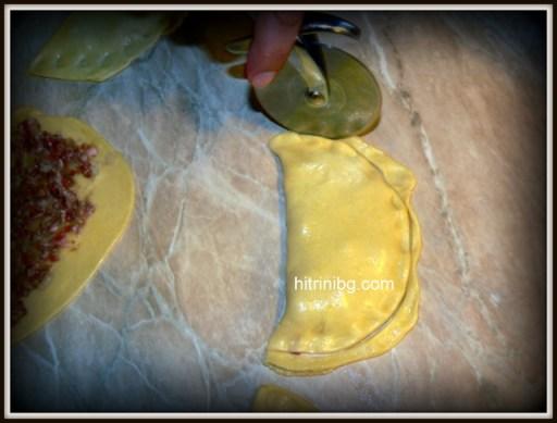 чебуреки - затворено тесто