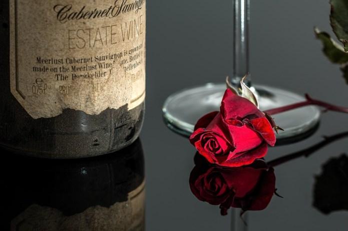 червено вино 23