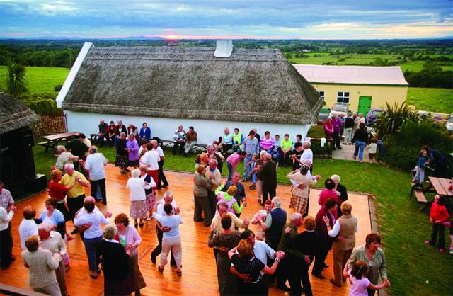 Gaelic sport som spelas på irland