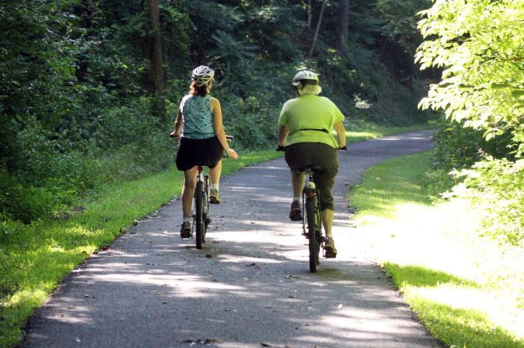 Cykel_cyklande-damer1200x800