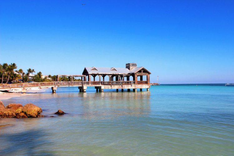 KeyEst_Villa_Florida_1200x800_brygga_pixabay
